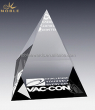 Custom 3d Engraving Cheap Crystal Glass Pyramid Shaped Paperweight