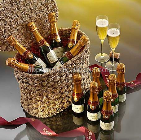 Promotiom sublimation christmas wine and cheese gift baskets