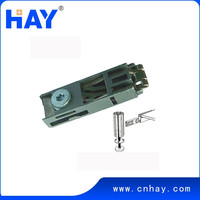 Exhibition tension lock for exhibition booth
