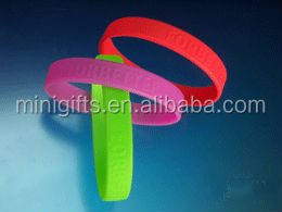 promotion gift custom logo glowing silicone hand bands