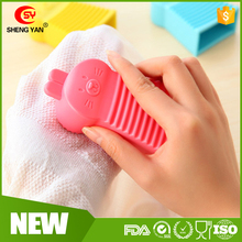 Cute Rabbit Soft Handheld Washing Board Mini Silicon Washboard