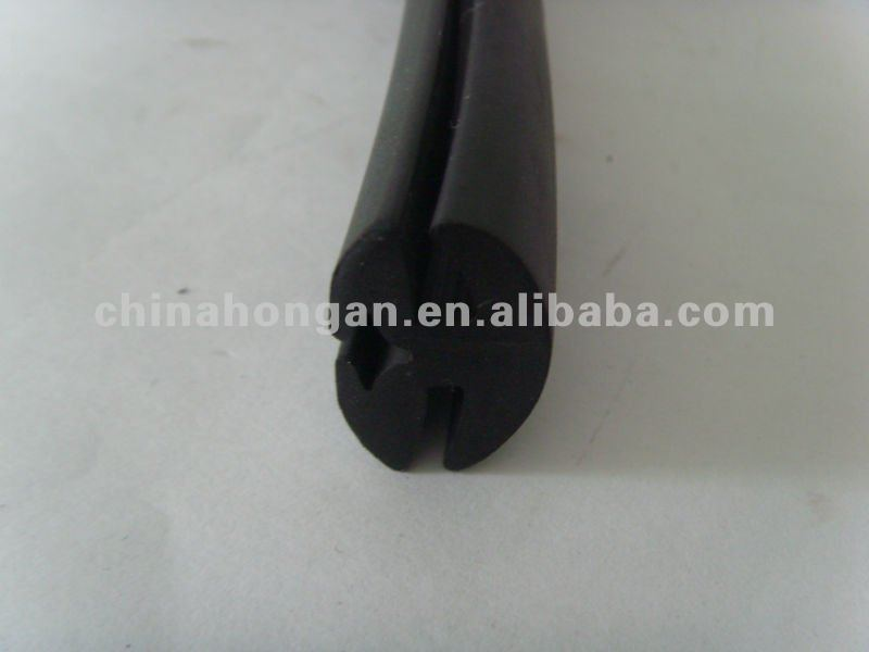 Rubber seals for glazing/glazing rubber profiles