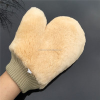 Genuine Lambs Wool Sheepskin Lambswool Car Polishing Wash Mitt with Thumb