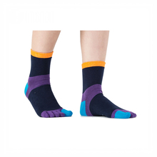 Knitted And Print Polyester Five Toe Socks in low factory price
