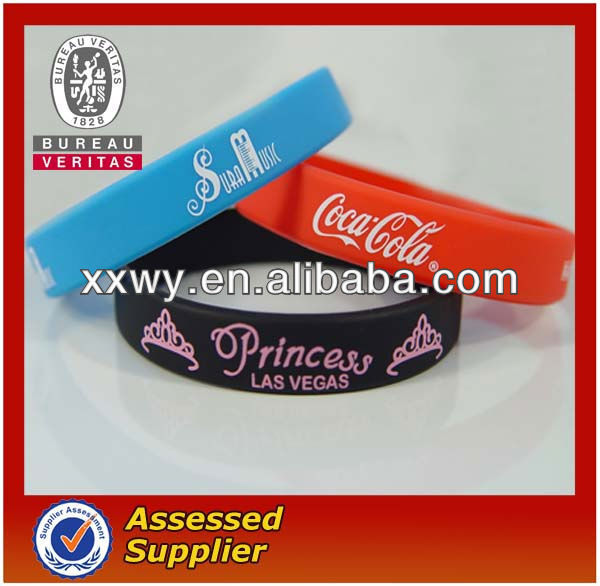 fashionable and popular chain Silicon Bracelet with ribbon