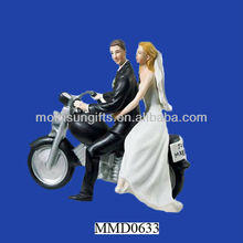 Motorcycle wedding couple figurine custom wholesale fake Cake Decor