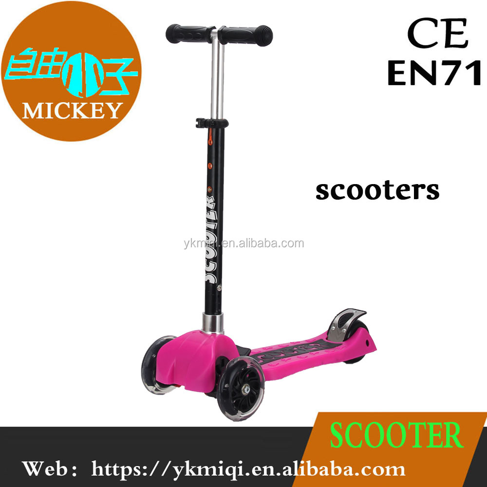 2017 China ManufacureNew toys 3 wheel off road kick scooter with music