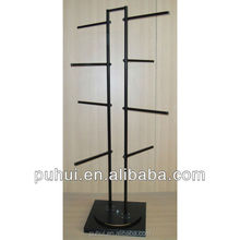 floor standing metal arm hanging bags display rack with rotating base