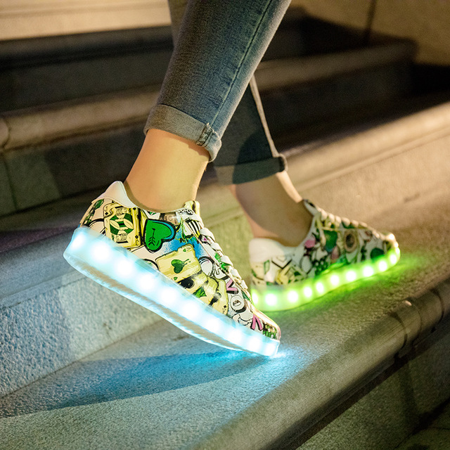 HFS1625 Korea type light shoes led sneakers couple plate shoes cheaper price