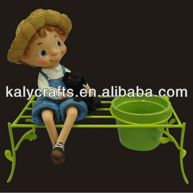 2014 new products cartoon boy with flower vase planter ceramic flower pot