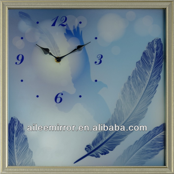 2013 hot selling unique mechanical clock panel wall clock melting clock