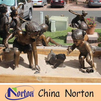 Playing children statues art kids bronze sculpture playing on the ground NTBH-C436R