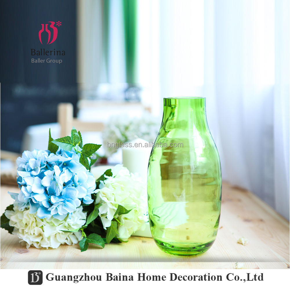 Hot Sale Decorative Vases For Hotels , Flower Colored Glass Vases Wholesale vases for home decor