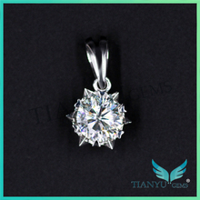 Fashion Style 24K Gold 1 Carat Moissanite Diamond Pendants Charms for Necklaces