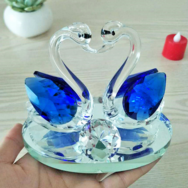Wedding Favor Crystal Gifts, Lovely Crystal Kissing Swan