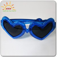wedding souvenirs novelty glasses,heart shape flashing led sunglasses