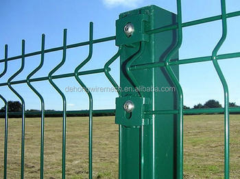 green vinyl coated welded wire mesh fence , welded fence panel