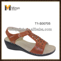 Minyo Hot sell summer low heel walking mama sandals shoes summer