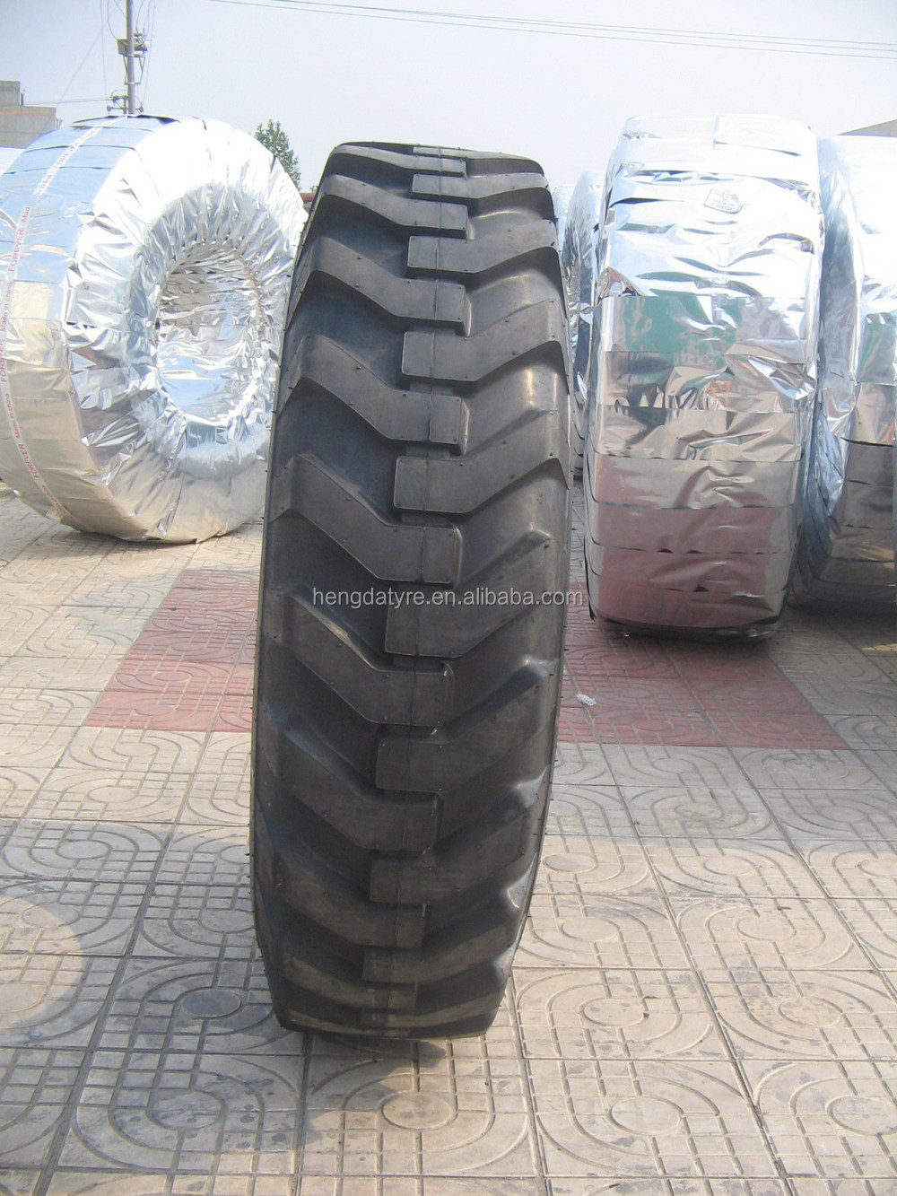 2014 NEW OTR tyre tires for GRADER ,EXCAVATORS From china tyre factory