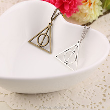 Best selling fancy necklace for man charm triangle shaped necklace for sale