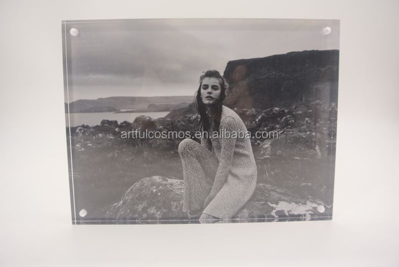 Decorative Picture Frame Clear Custom Acrylic Photo Frame With Big Crystal Magnet Back