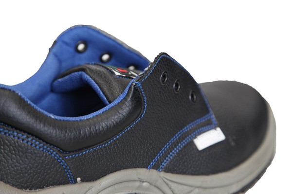 Stock Good Prices Men Safety Shoes with Steel Toe