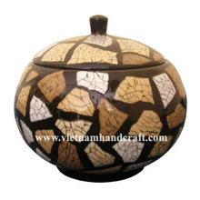 Eco-friendly handpainted vietnamese lacquer bamboo jar with eggshell inlay