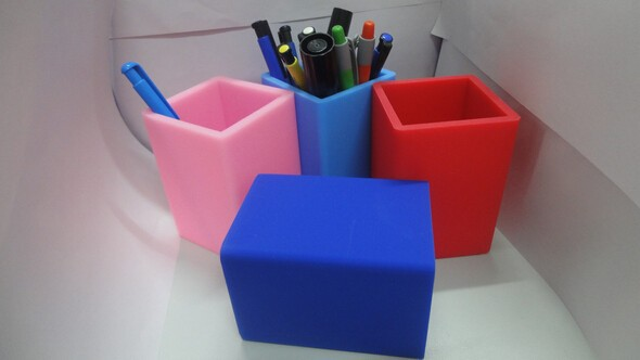 Custom shape and logo colorful silicone rubber pen holder / pen container