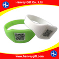 Factory cheap price two dimension quick response 2D QR code bracelets, wholesale medical blank barcode silicone id bracelet