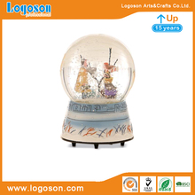 LOGOSON Custom Polyresin snowflake snow globe with glass water ball