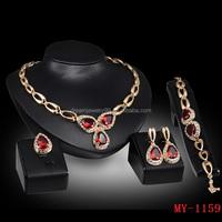 The European dream Jewelry Necklace Set Diamond Ruby Necklace Earrings Ring Bracelet Jewelry Set