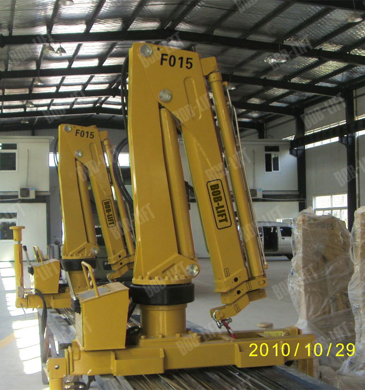 Hydraulic Knuckle Boom Lorry Crane For Sale