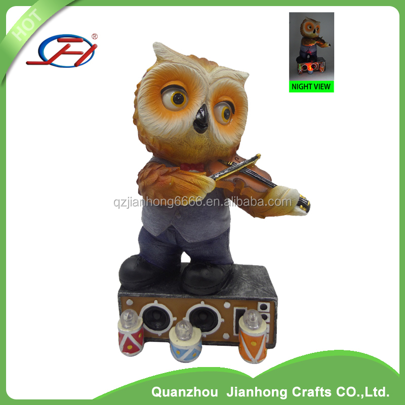 2017 new design polyresin resin owl a bird of Minerva night owl statues figurines with solar light LED for garden decoration