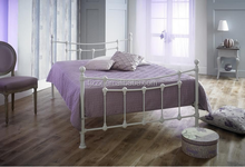 2017 Hot selling wood slats bed metal double bed frame