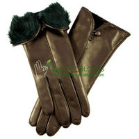 Ladies' lamb skin leather gloves rabbit fur inner cuff and buttoned side vent