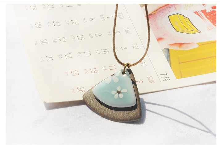 Charming porcelain unique fan design necklace affordable wholesale athinic for anniversary or engagement gifts  pendant