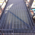 Outdoor anti-sliding city construction steel platform walkway grating price