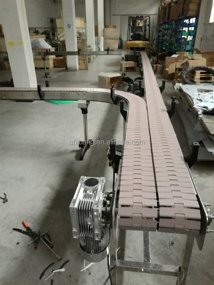 Plastic table top chains conveyor for filling machine