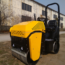 1.5 Ton easy operation reversing earth Road Roller In Stock