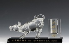 JINGYAGE K9 China New Product Custom Office Table Set Bull Crystal Pen Holder Souvenirs Crystal Pen Hholder for Business Gift