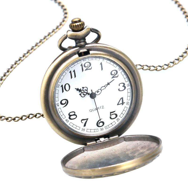 Antique Car Pocket Watch Classic Mustang Sedan Made In America Carving Pendant Chain Cool Men Clock Best Gifts for Boys Children (2)
