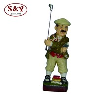 Life size play golf male resin figures for restaurant decoration