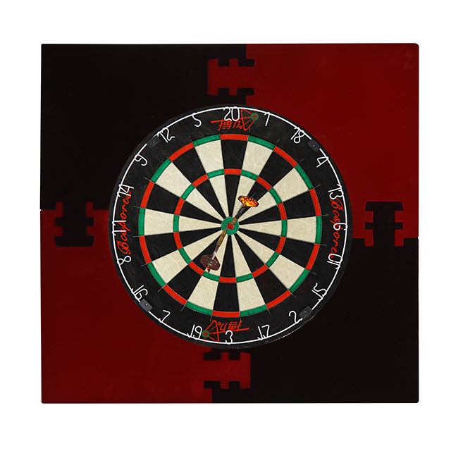 Electronic and Bristle Dartboard With Stand, dartboard frame, Dart Foothold