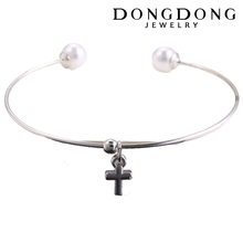 DD-B019 Factory direct made cross pendant pearls charming bracelet