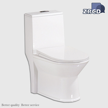 Selling new good quality bathroom western ceramic ceramic one piece toilet