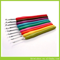 Plastic Handle Aluminum Crochet Hooks Knitting Needles Set
