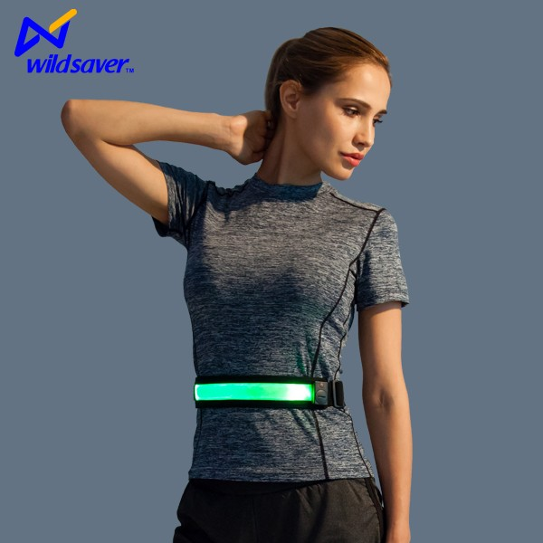 Elastic running belt keeping you visible & safe with light reflecting strips