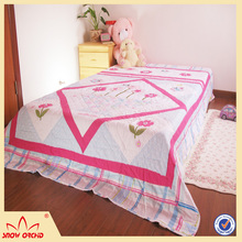 High Quality New bed design 100% Cotton print quilt Microfiber Filling Summer Quilt