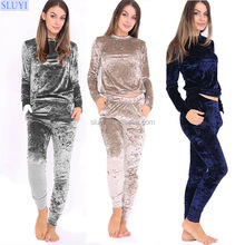 factory cheap latest top design fitted tracksuit winter clothing long sleeve sports wear shiny women velvet plain tracksuit