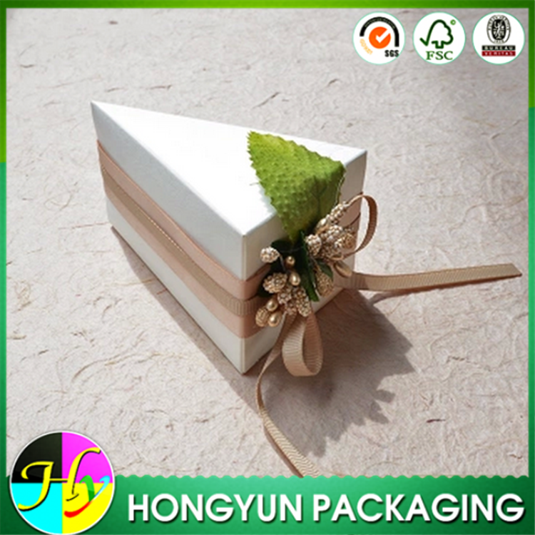 Triangle cake shape cardboard candy box for wedding